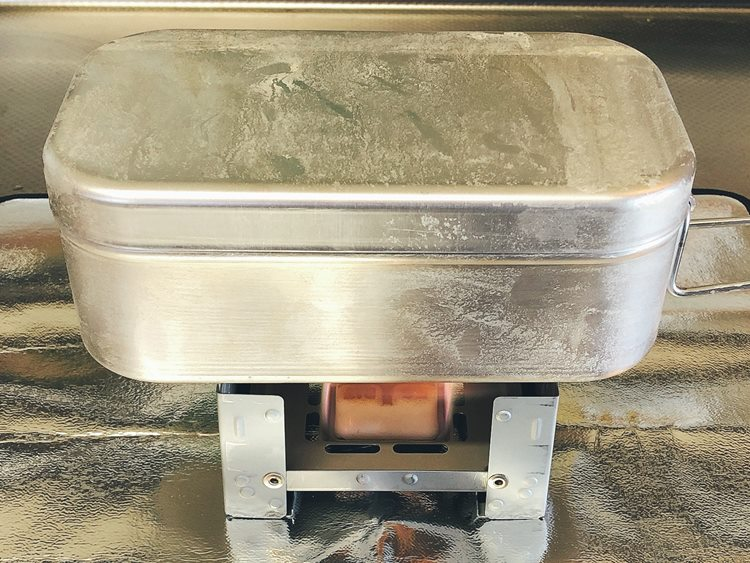 ここからは自動炊飯です!燃料が燃え尽きるまで待ちましょう。