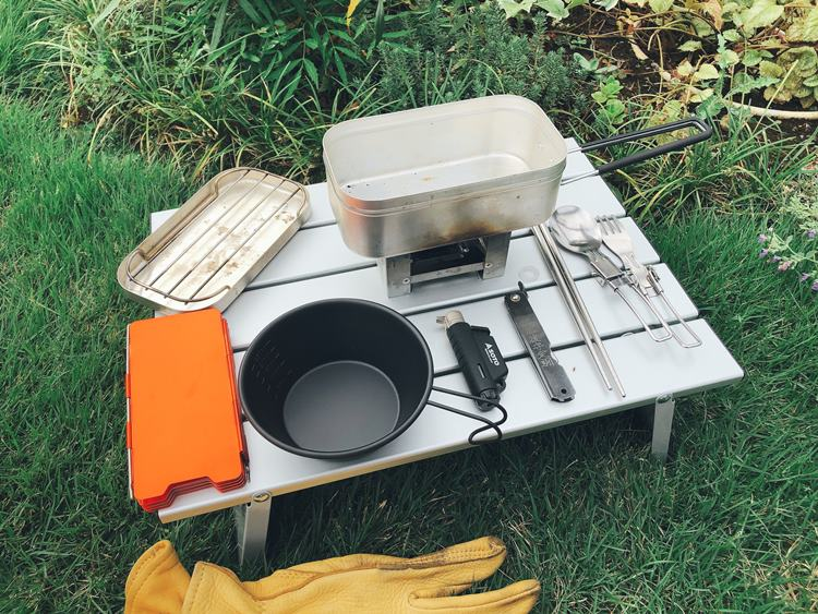 超簡単!火をつけて待つだけのメスティン自動炊飯