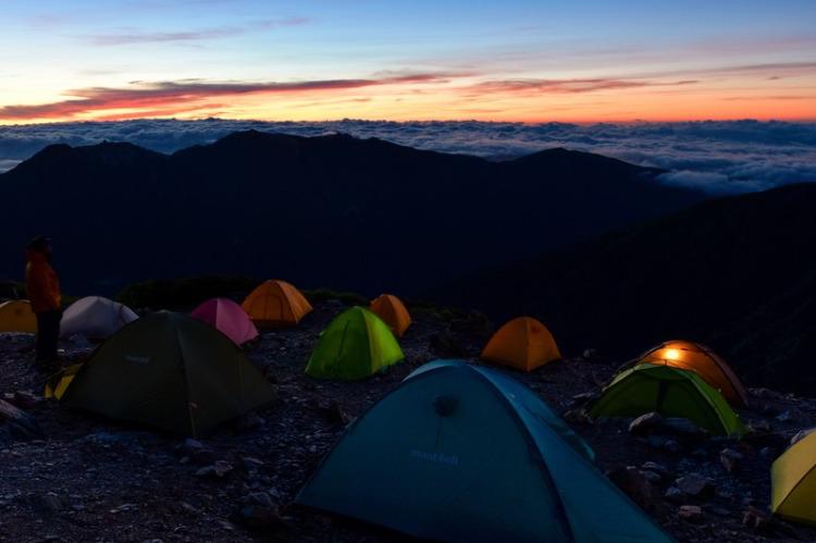 雲海を望むキャンプ場